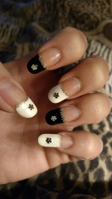 Elegant black and white flowers