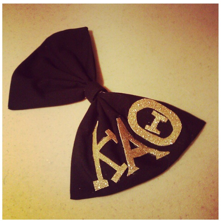 Adorable hair bow! Kappa Alpha Theta.