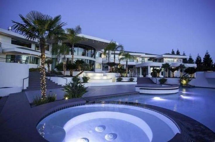Die Villa von Eddie Murphy steht für 12 Millionen Dollar zum Verkauf