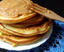 """Panceksy. Co może lepiej """"ustawić"""" nastrój na cały dzień, niż porządne niebo w gębie o poranku? Chcesz wiedzieć jak je zrobić zajrzyj na http://mlodywschod.pl/kuchnia-2/sniadanie-doskonale-pancakes-z-kajmakiem-masa-krowkowa/."""