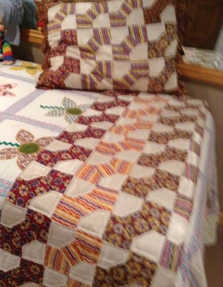 Bow tie quilt pattern made with necktie fabric with matching pillow sham & 153 best Bow Tie \u0026 10 Minute Block Quilts images on Pinterest ... pillowsntoast.com
