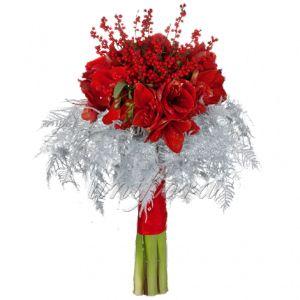 http://uniflora.com.ua/novogodnie/vremja-chudes.html Очень красивый и необычный букет. Подойдет для невест в канун Нового Года.)