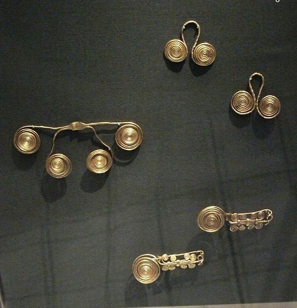 Dunaföldvár – The gold jewellery from the hoard found near Dunaföldvár (1600-1200 BC