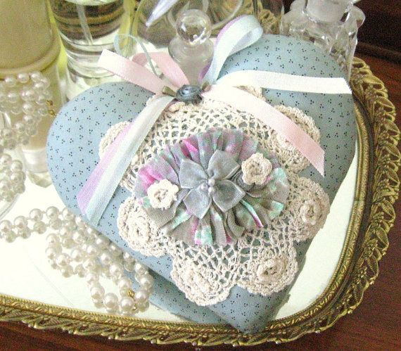 Sachet Heart Cottage Chic RUFFLED with Lavender