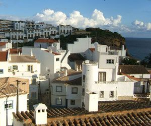 when in Portugal: Rooftops in Burgau