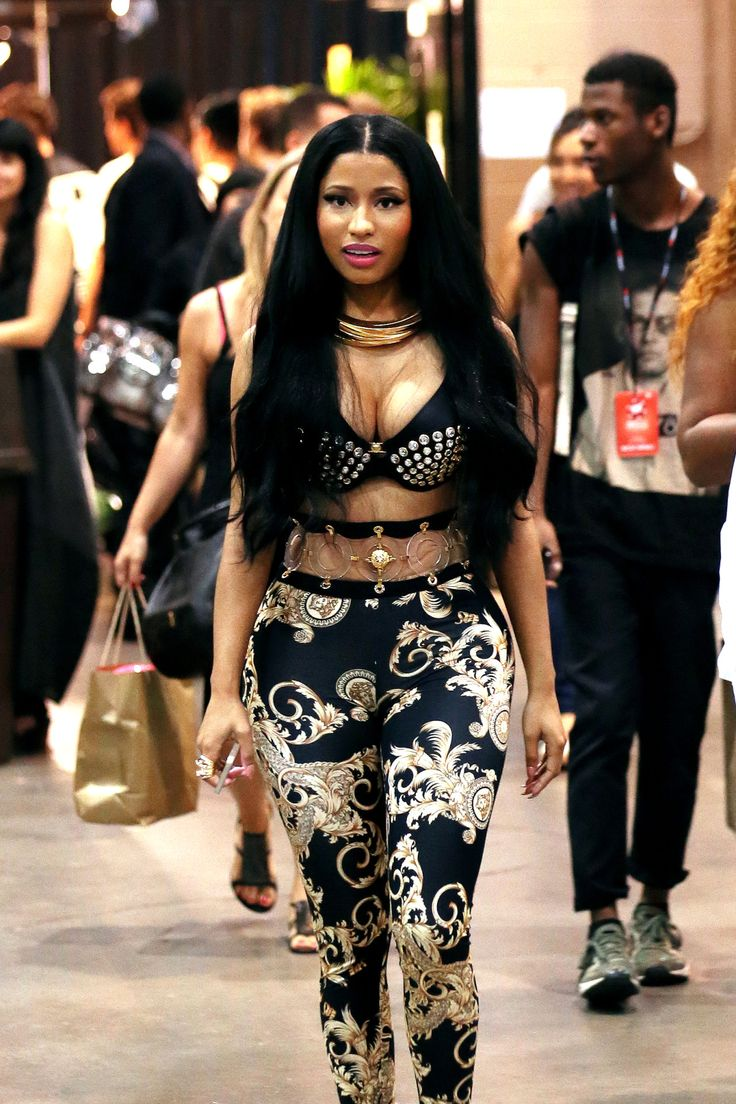 Never a Lack Of A Flashy Look, Niki Minaj!