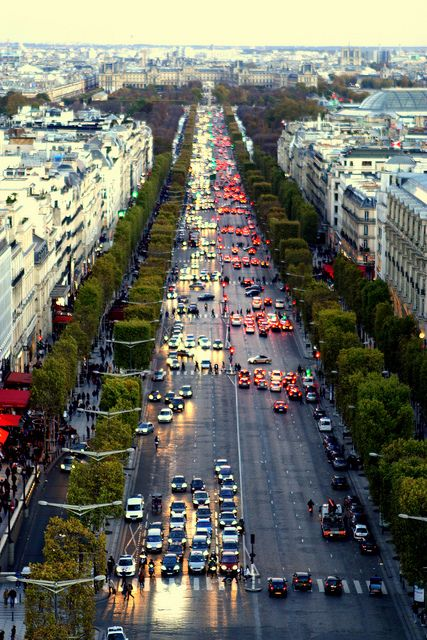 Champs Elysee! by Aadii on Flickr.