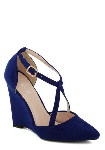 MODCLOTH EXECUTIVE OUTING HEEL IN SAPPHIRE