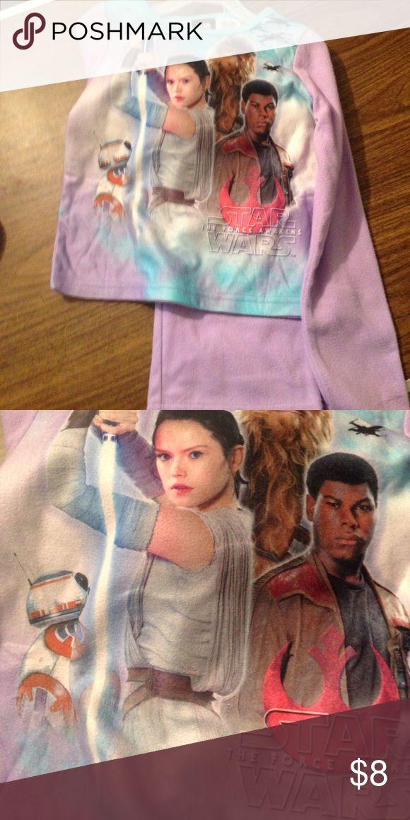 💧1 day price drop Girls Star Wars pajama set 6/6x Purple and blue fleece pajama top and bottom 💧 1 day Price Drop 💧with Star Wars print! New without tags. Star Wars Pajamas Pajama Sets