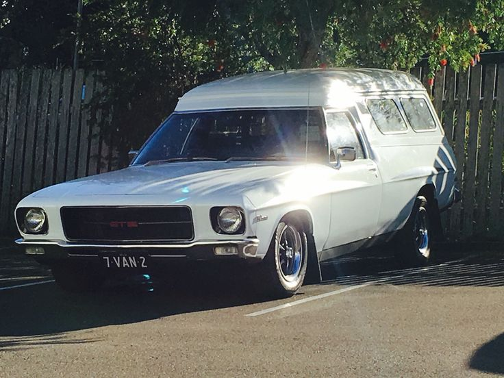 Hq Holden sandman Panelvan
