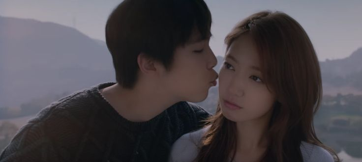 "Lee Hong Ki Says His ""Insensible"" MV Kiss Scene With Park Shin Hye Was Full of Laughter"