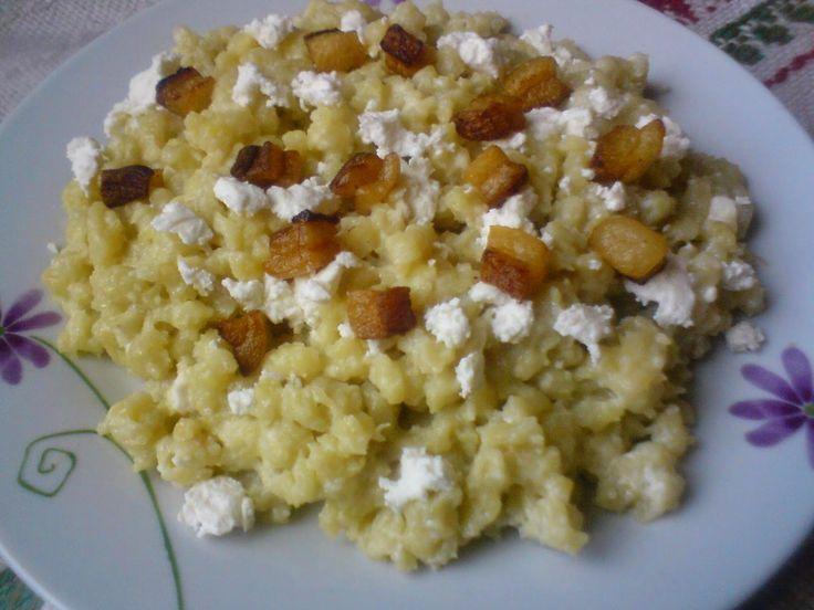Paprikás krumpli: Juhtúrós sztrapacska