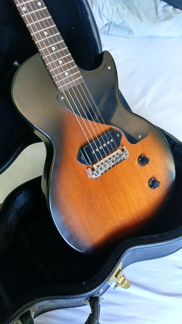 Les Paul junior, simple and brutal rock'n'roll! Tone for days :)  Find this one at harryguitars.com