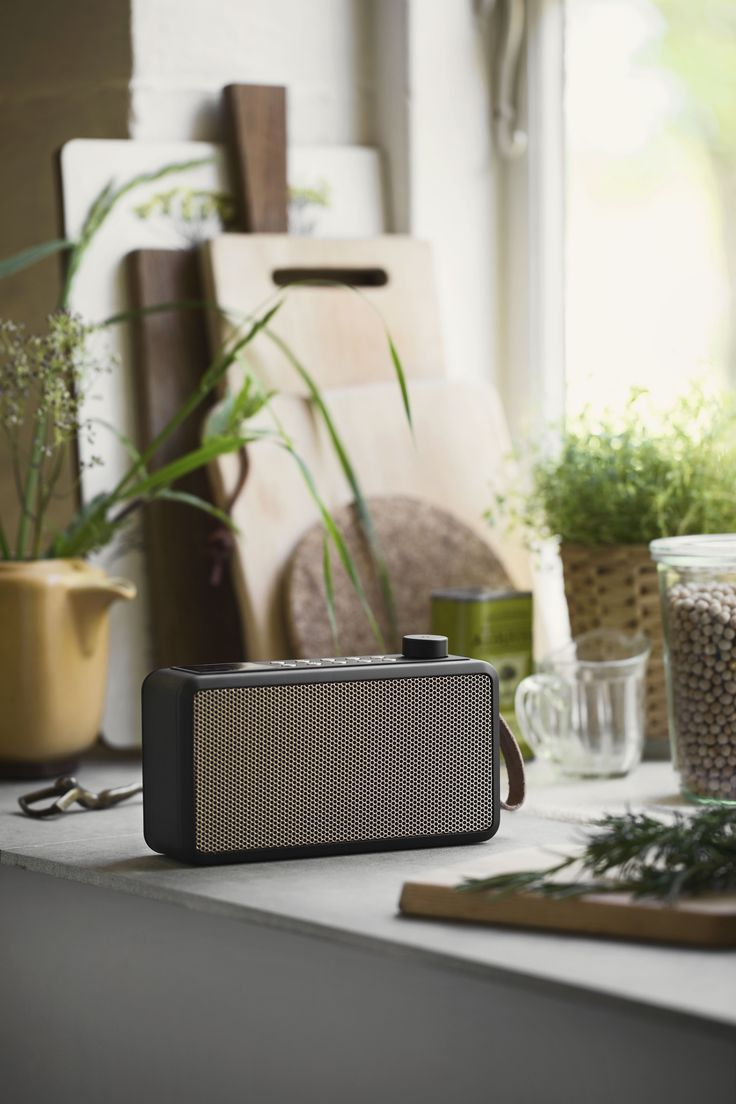 tRADIO from KREAFUNK is DAB+ radio and Bluetooth speaker in one, which enables tuning in on your favourite radio programmes or listen to your own playlist on Spotify, iTunes etc. Place it in your kitchen and make cooking a game!