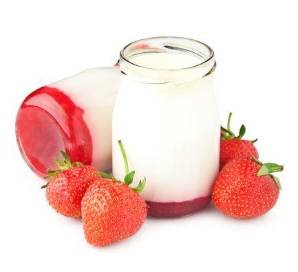 Come fare lo yogurt in casa con e senza yogurtiera, la ricetta base