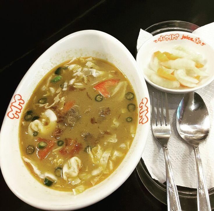 Tongseng Ayam at MM Juice