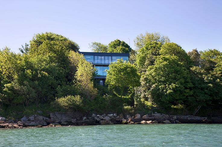 Modern Tree-House Residence Reflecting Its Surroundings in Isle of Wight, England - http://www.interiordesign2014.com/interior-design-ideas/modern-tree-house-residence-reflecting-its-surroundings-in-isle-of-wight-england/