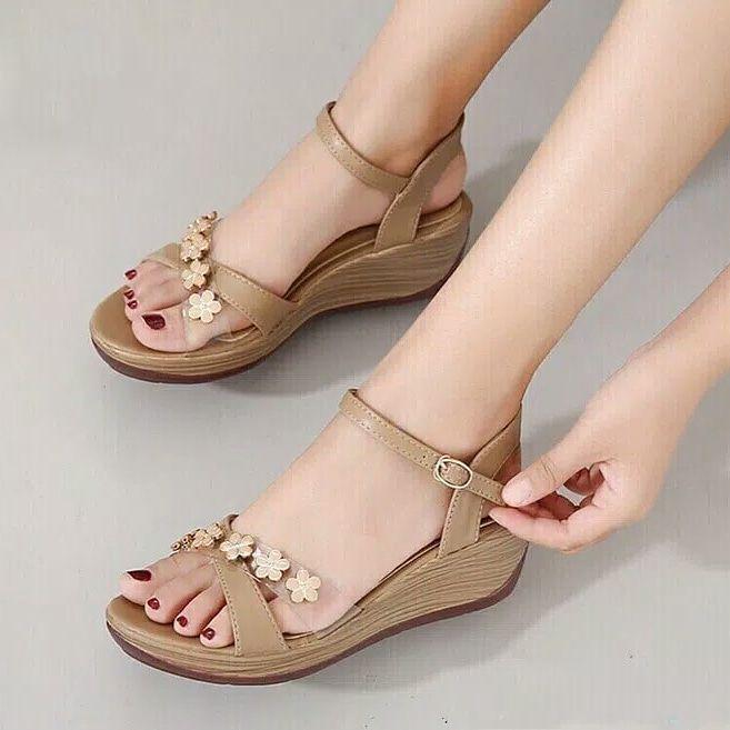 Sandal Wedges Wanita Af 13 Motif Flowers Cream Beige Sepatu