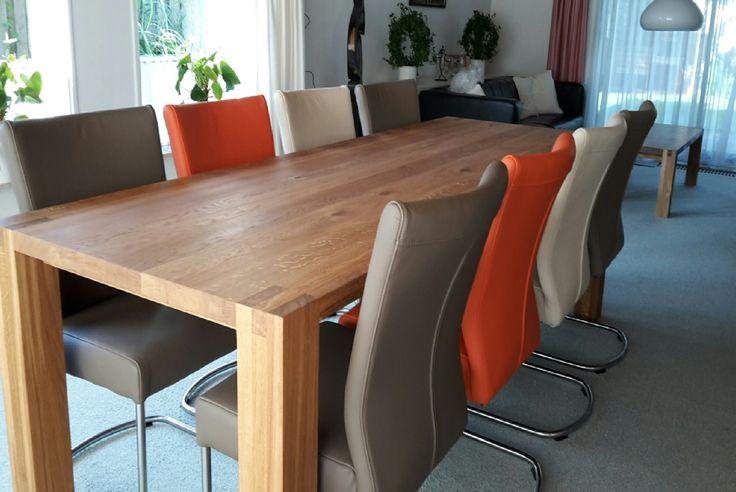 Focus op genieten  Eind 2006 is de Toska tafel bedacht door FeicoJr.Westra een zeer strakke tafel met pengat verbinding in poot en blad. Met zijn stevige poten is de Toska een echte blikvanger geworden      Ontwerp : FeicoJr.Westra 2006  Houtsoorten : Eiken - Walnoten - Esdoorn - Iepen