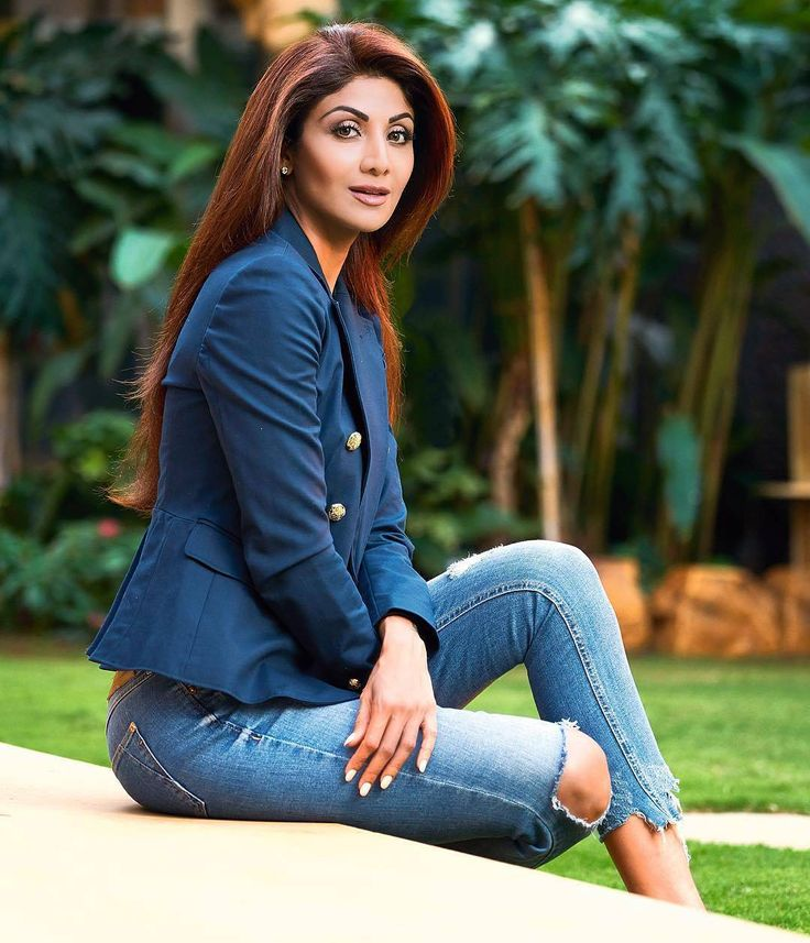. [New] Shilpa Shetty in New Photoshoot For @cosmoindia