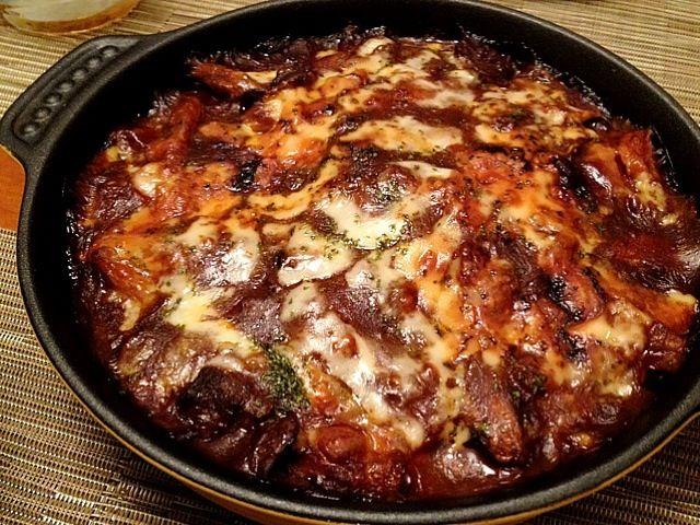 先日のハヤシライスソースをリメイク(*^^*) ポテトと茄子を敷き詰めた上にかけ、ピザ用チーズをトッピングしてオーブンへ♪ - 17件のもぐもぐ - 茄子ポテトのハヤシグラタン♪ by ulysses