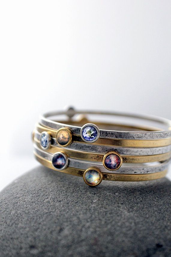 These stackable galaxy bracelets are so pretty! I love the use of Nunn Design bangles and resin. This is a definite must-make!