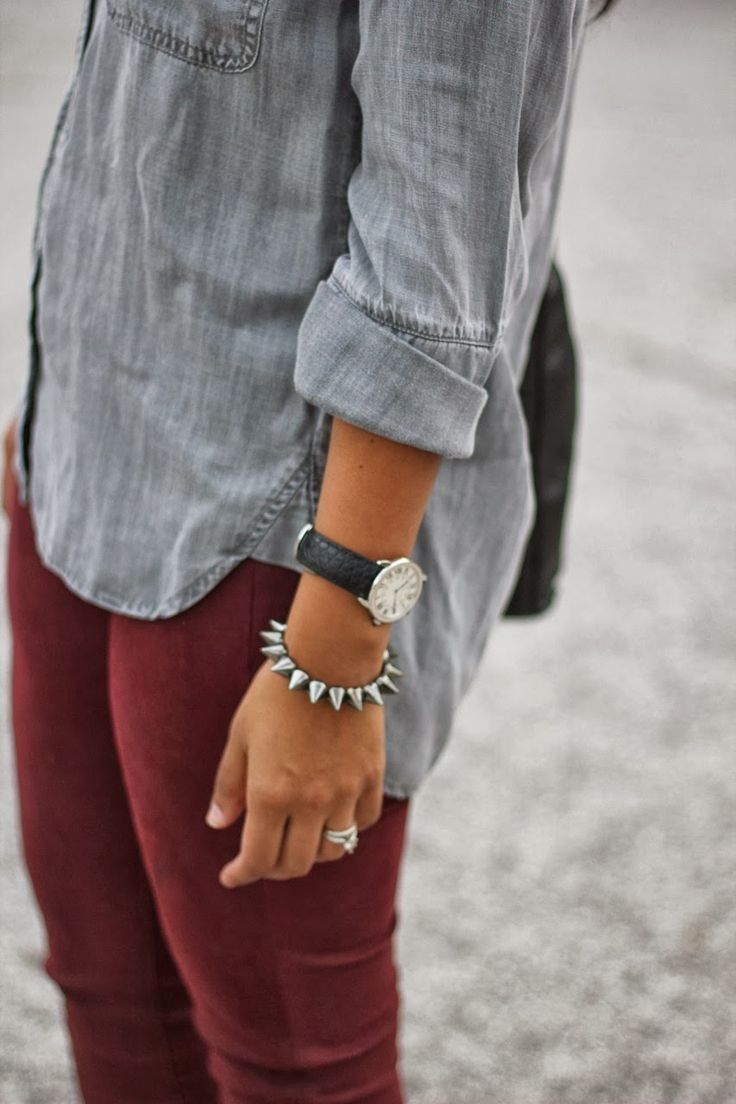Gray shirt, burgundy skinnies.