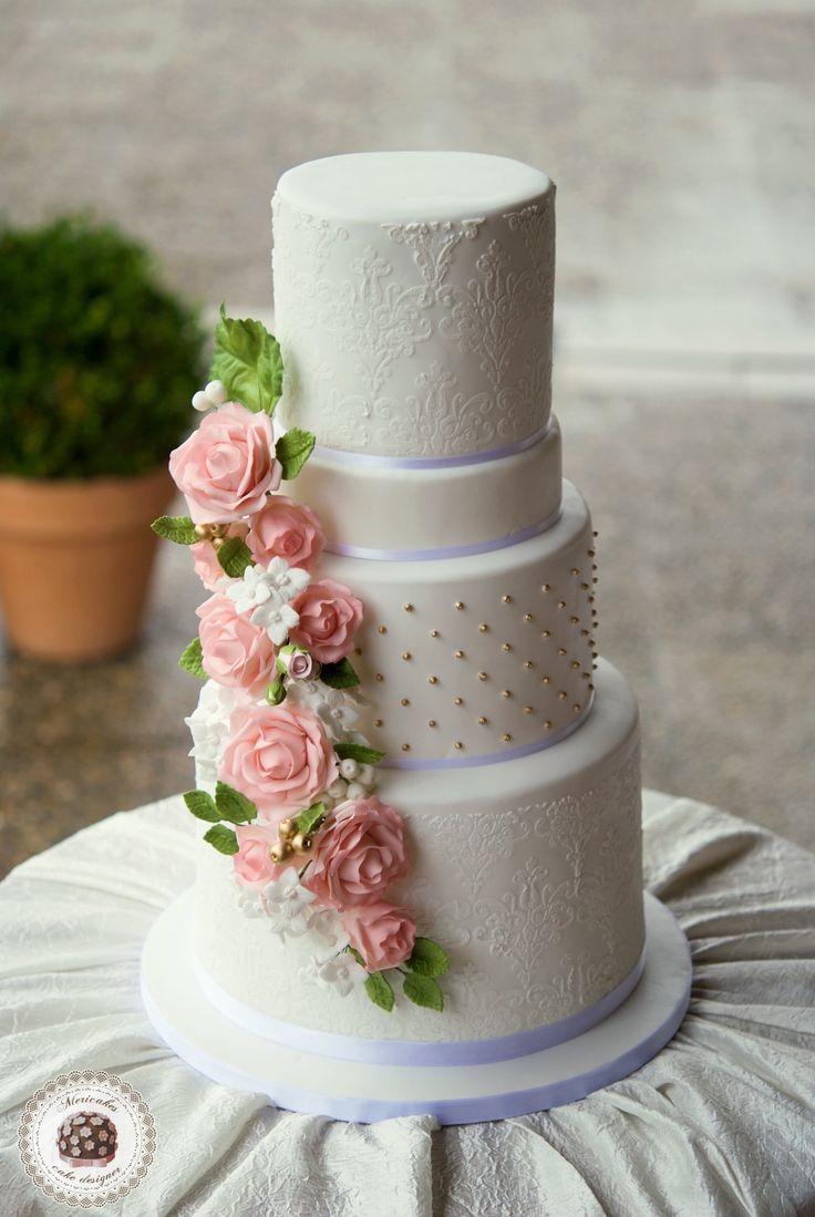 Roses & Hydrangeas Wedding Cake