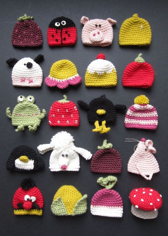 It's that time of year again when I start to think about the Innocent Big Knit! I started doodling at work, when I really should have been doing work!!You can knit or crochet a hat and Innocent pop them on their smoothies. 25p from every one sold goes to Age UK to keep the elderly warm and well...