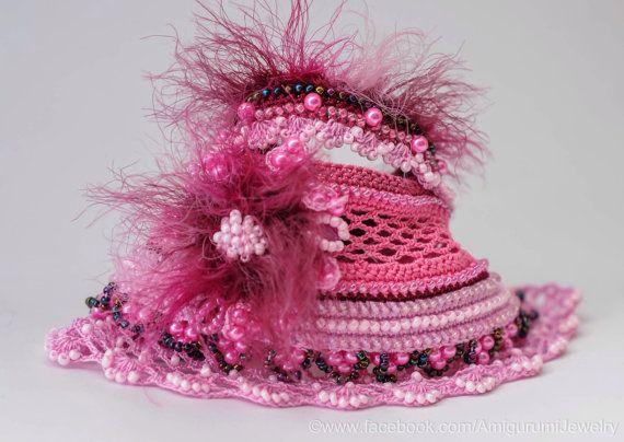 Crochet FreeForm Bracelet manchette. Brassard rose au Crochet. Bracelet de perles Crochet rose. Crochet bijoux.
