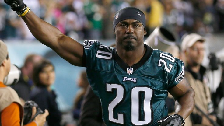 Brian Dawkins featured on list of best safeties in NFL history