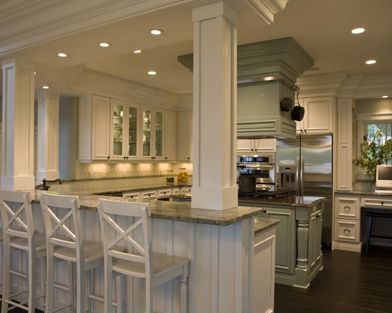 Traditional Kitchen Kitchen Peninsula Design, Pictures, Remodel, Decor and Ideas - page 7