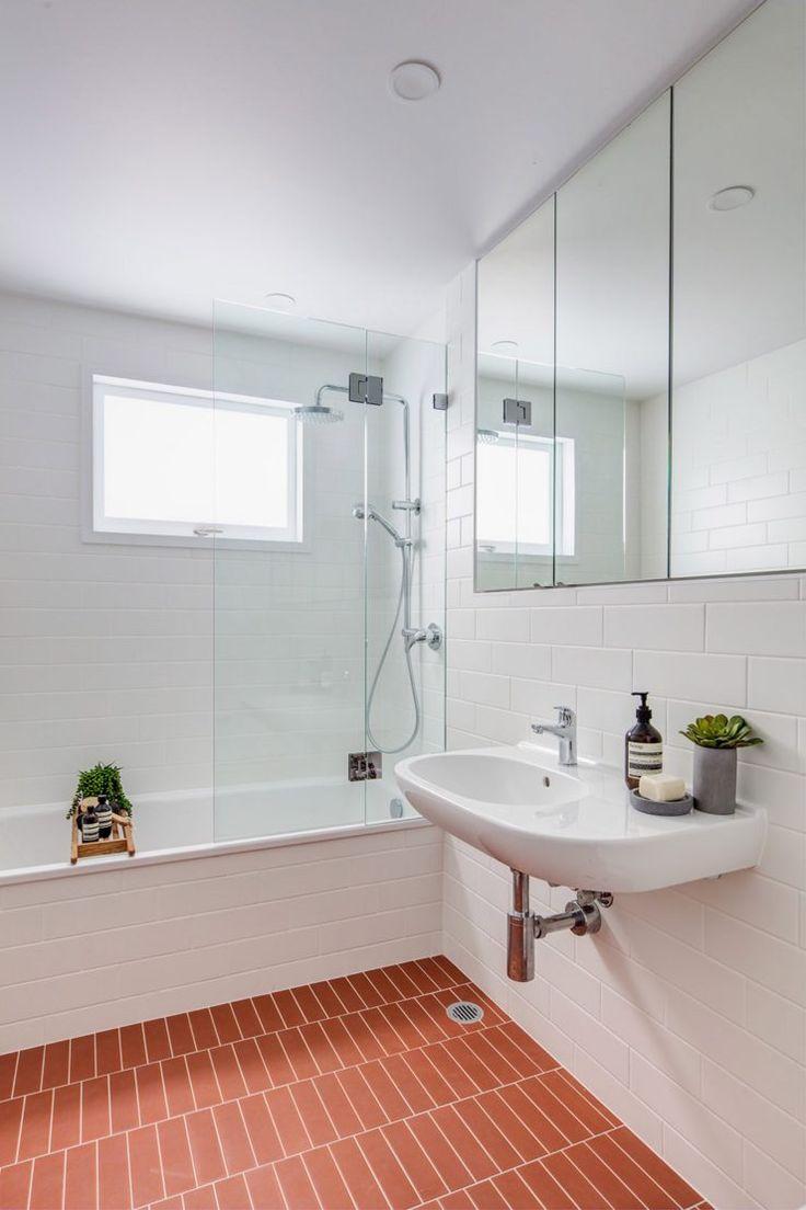 Et pourquoi pas une salle de bain rose terracotta