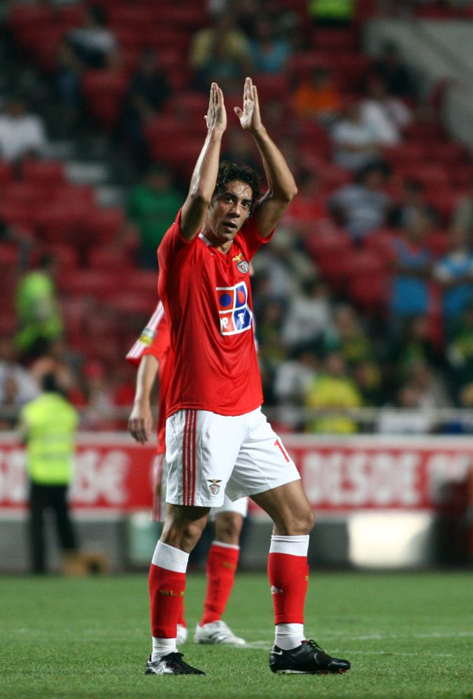Elegance personified. Rui Manuel Cesar Costa (Portugal). Benfica, Fiorentina, AC Milan, and back to Benfica. Last seen reducing grown men to tears in his last match!