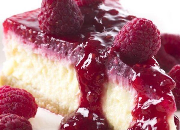 Recept na prípravu nepečeného cheesecake s malinami bez múky a cukru | Báječné fitness