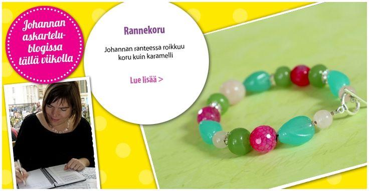 Värikkäät lasi- ja kivihelmet ovat koruaskartelijan karkkeja. Pirteän pastellisista helmistä syntyi rannekoru. Katso lisää Johannan blogista.