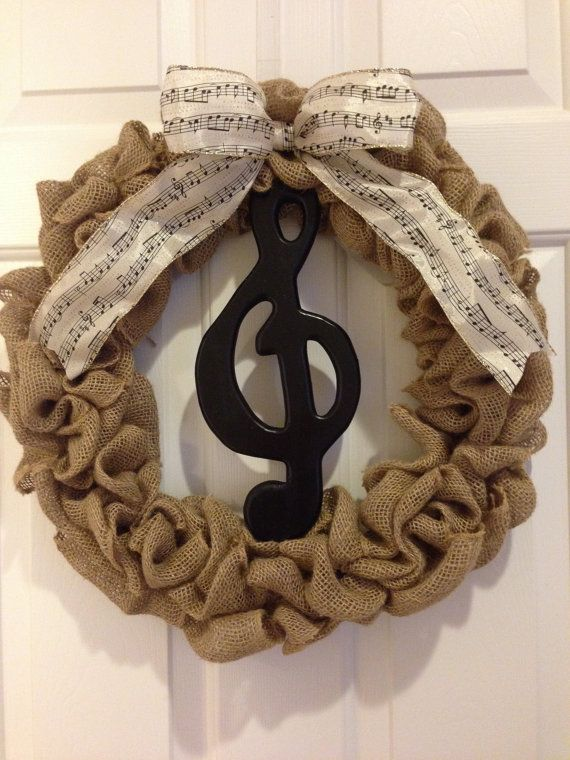 Music Wreath! Burlap wreath featuring a Treble Clef and musical note ribbon! Perfect wreath for music lovers. on Etsy, $50.00