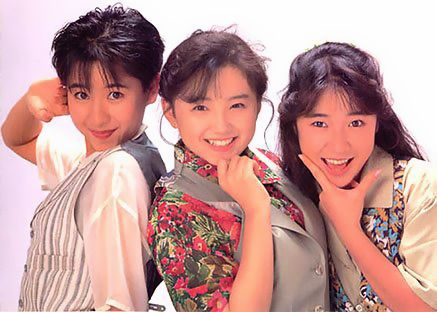 """アイドルグループ「リボン」、センターは永作博美。活動時期は平成元年12月〜平成6年末。☆Girls idol group """"Ribbon"""" active during 1989 ~ 1994. Hiromi Nagasaku in the middle has become a great actress."""