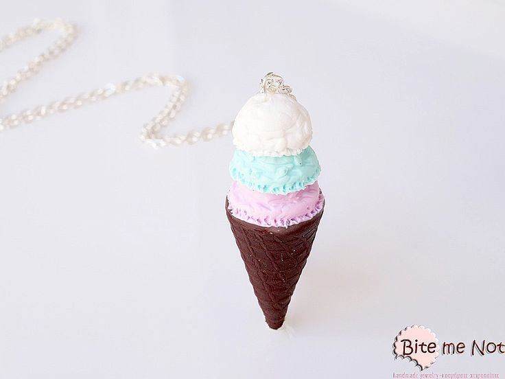 -Silver plated long chain necklace!-Chocolate flavoured ice cream cone with three scoops of ice cream strawberry, mint and vanilla!It makes a beautiful set with these earrings:http://www.bitemenotjewels.com/en/hook-earrings/product/354-xonakia-pagoto-fraoula-biskoto-xeiropoiita-kosmimata-apo-pilo-miniatoyres-trofimon-kai-glykon.html