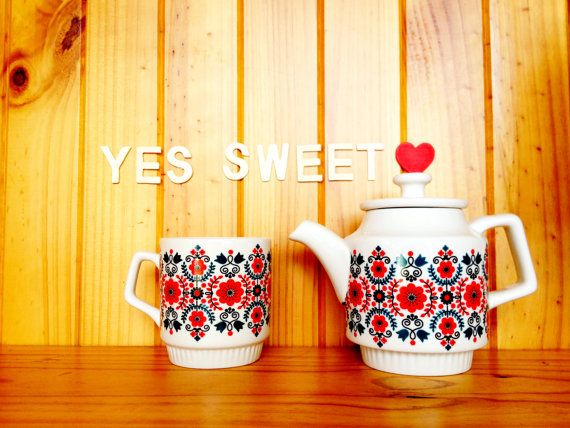 Scandinavian Teapot and teacup set by yessweetheart on Etsy, $60.00