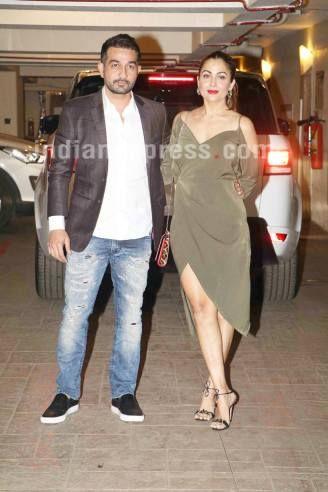 Kareena Kapoor and Saif Ali Khan celebrate Christmas with families