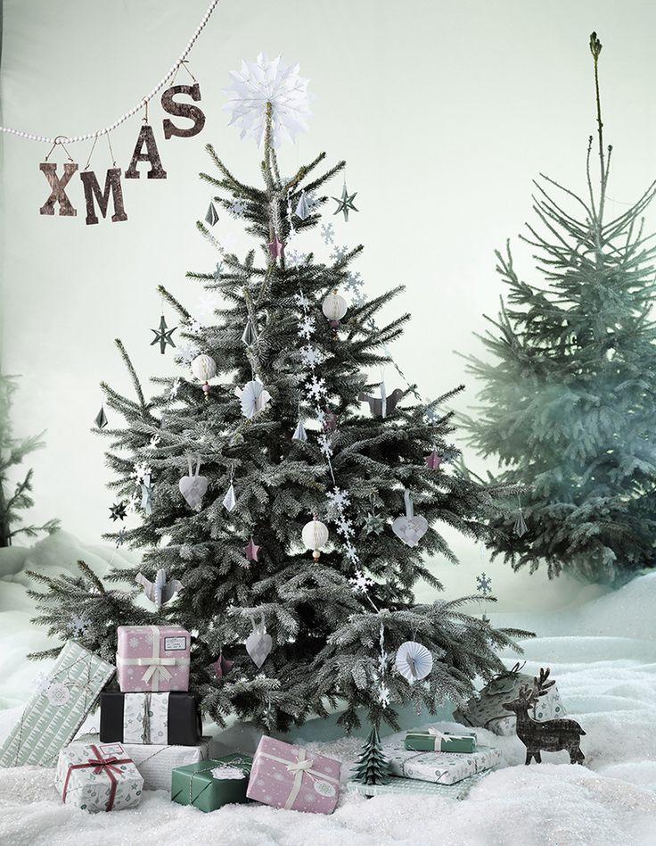 För många är julförberedelserna i full gång och vi njuter i fulla drag av årets bästa pysseltid. Oavsett om du har mycket tid eller inte, pysselfingrar eller inte, har vi det som behövs för att göra det julfint hemma. Här kommer några tips och fler finns på vår [url=http://www.pandurohobby.se]hem...