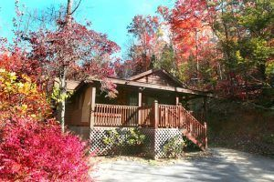 The Hillside Haven cabin in Gatlinburg TN in the fall.