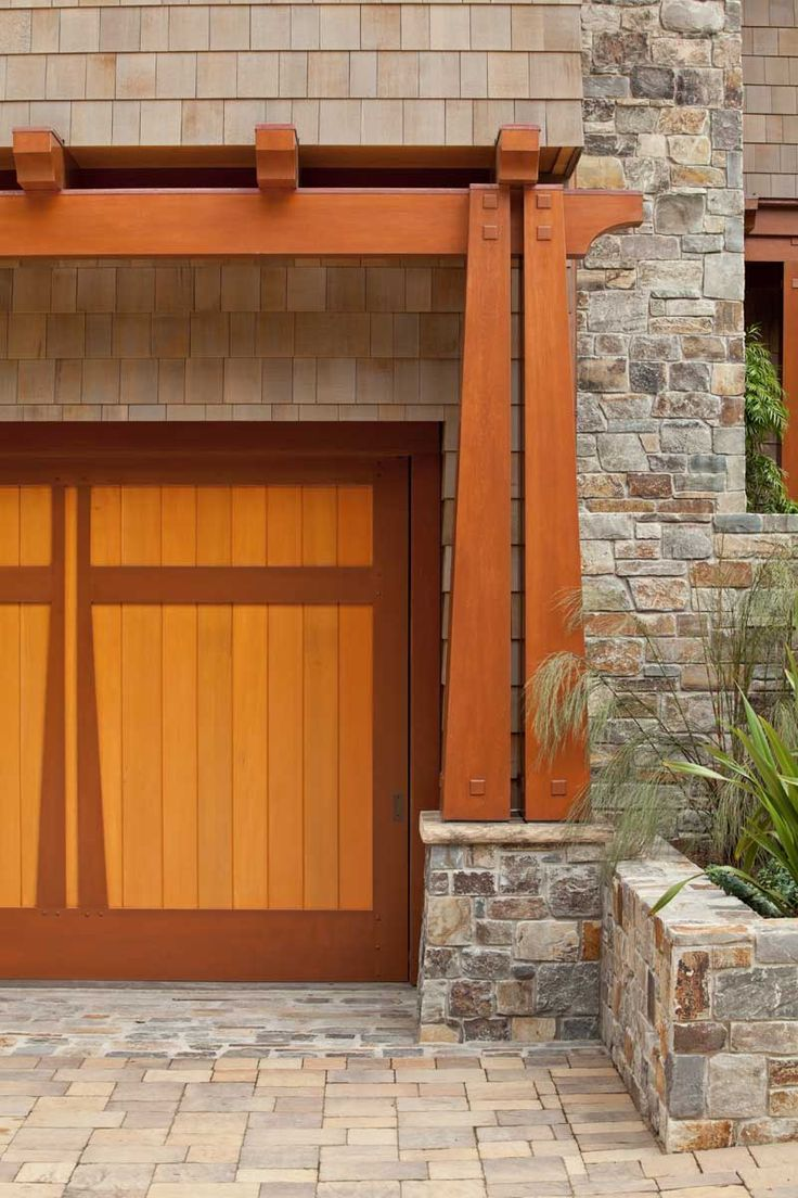 Best 25 craftsman garage door ideas on pinterest garage for Arts and crafts garage