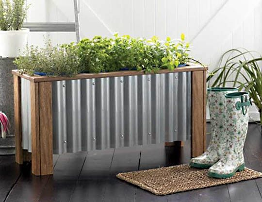 Who doesn't love a good planter box