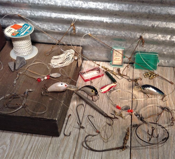 Vintage Fishing Lures, Rigs, Hooks and More, Mixed Lot of Fishing Rigs, Crankbait Lures, Spinnerbait, Fishing Supplies, Bait and Tackle,