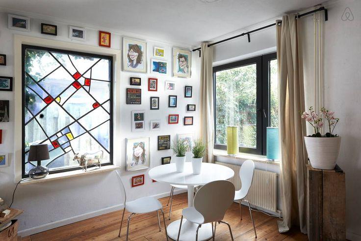 Bekijk deze fantastische advertentie op Airbnb: Wellnesshuis Enschede met zwembad - Huizen te Huur in Enschede