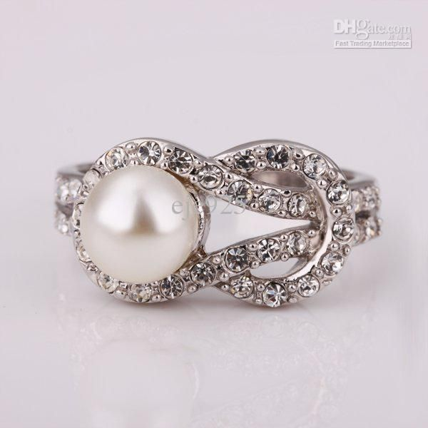 Pearl wedding ring:)