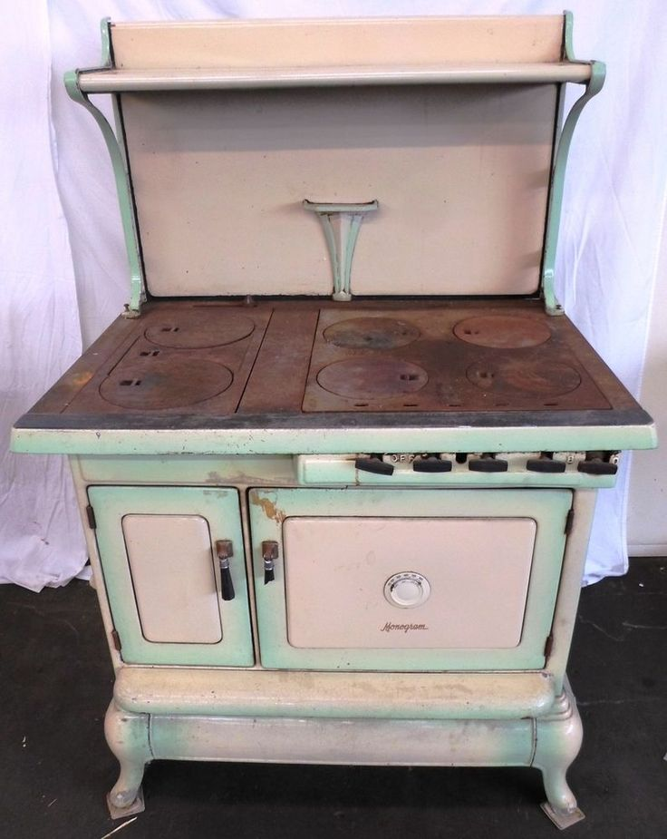 Antique Cast Iron Cook Stove--New Logic Monogram by Quincy Stove Mfg ca. 1934 #QuincyStoveManufacturingCompany