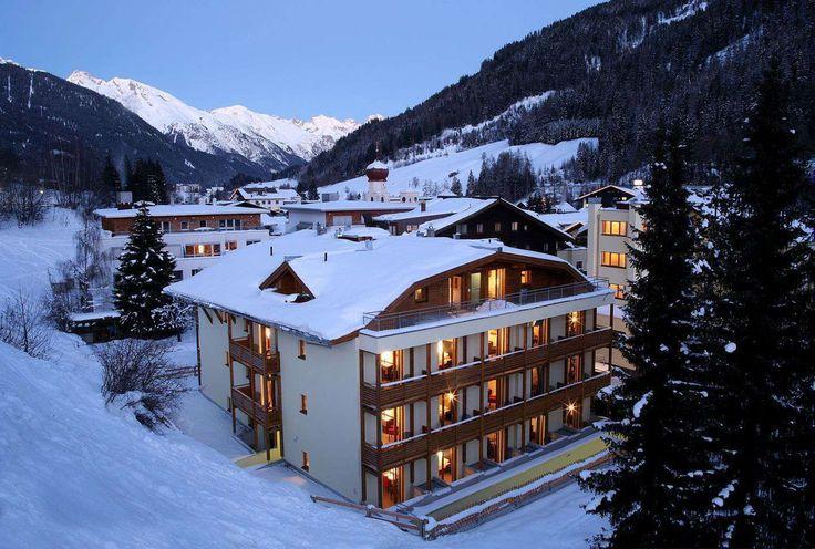 Chalet Hotel de La Loze 3* – Courchevel  For more details please contact us! #schi #travel  http://bit.ly/2pXMLRU